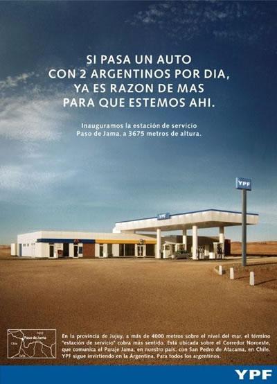 Si pasa un auto con 2 argentinos por día